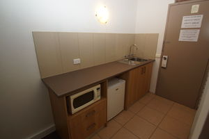 Queen Room Kitchenette
